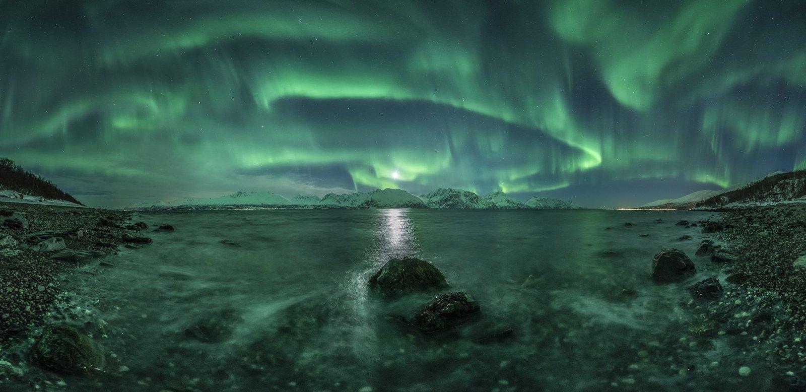 Aurora Panorama / Jan R. Olsen